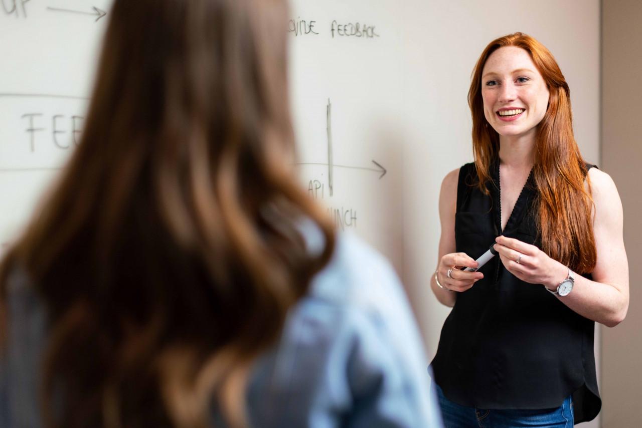 雅思的教學老師的經歷很重要,教學豐富經驗的老師可以快速點出學生的弱點