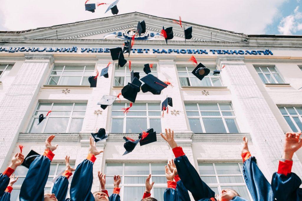了解PTE考試成績是否適用於你想要申請的學校,多一種選擇